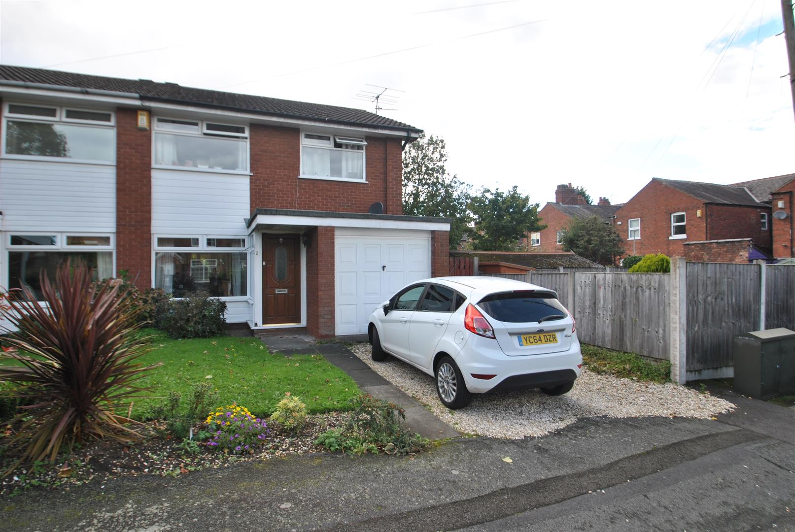 3 Bedrooms Semi Detached House for sale in Algernon Street, STOCKTON HEATH, WARRINGTON, WA4